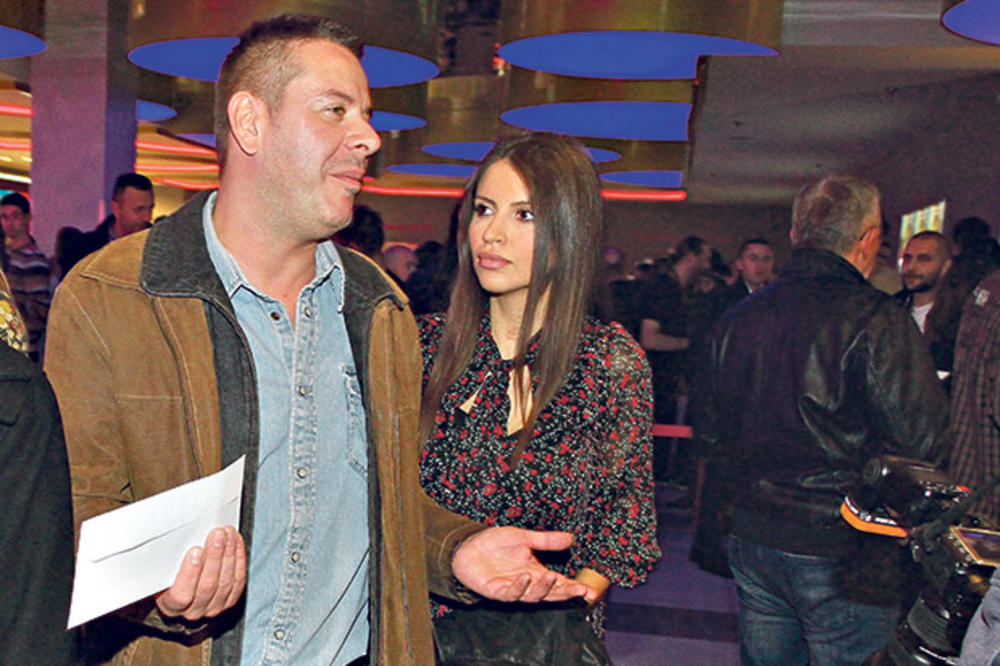 ČUVA MILICU KAO DA JOJ JE TELOHRANITELJ: Georgiev ne da da mu slikaju ženu!
