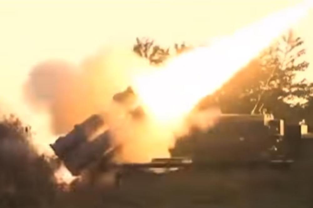 (VIDEO) OVAKO PRAŠE RUSI U SIRIJI: Ministarstvo odbrane objavilo snimak vojnika u akciji!