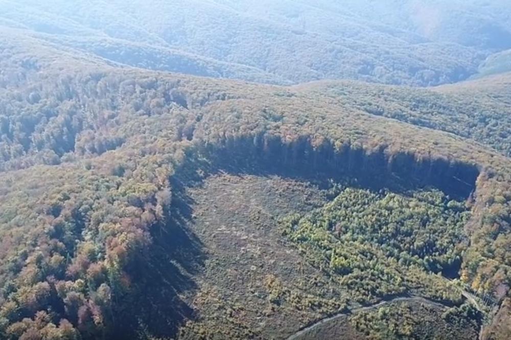(VIDEO) ZALUTALI DRON SLUČAJNO OTKRIO: Na granici sa Srbijom snimljena prava katastrofa!