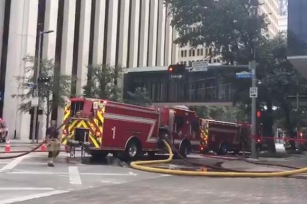 (VIDEO) DRAMA U HJUSTONU: Eksplozija u hotelu, ima povređenih