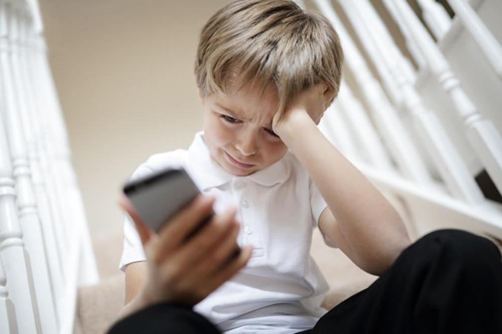 DECA VAM NEĆE REĆI: Kako  prepoznati znake zlostavljanja na internetu?