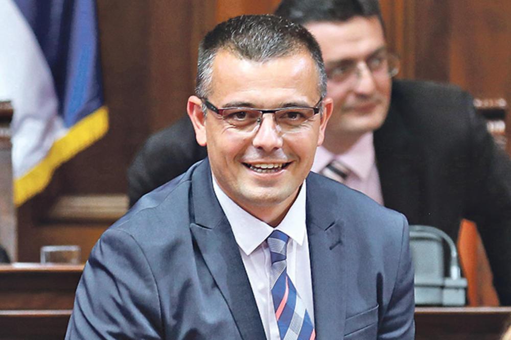 NOVAC MLADIM POLJOPRIVREDNICIMA Nedimović: Isplaćeno je oko 460 miliona dinara!