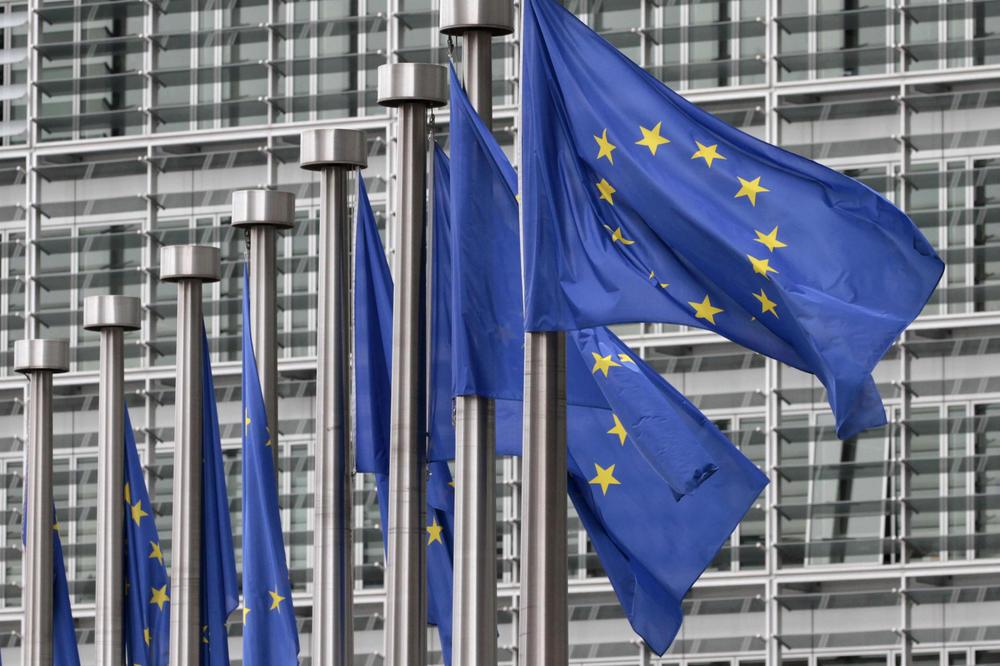 OHRABRUJUĆI REZULTATI ISTRAŽIVANJA: Čak 77 odsto Austrijanaca želi da ostane u EU!