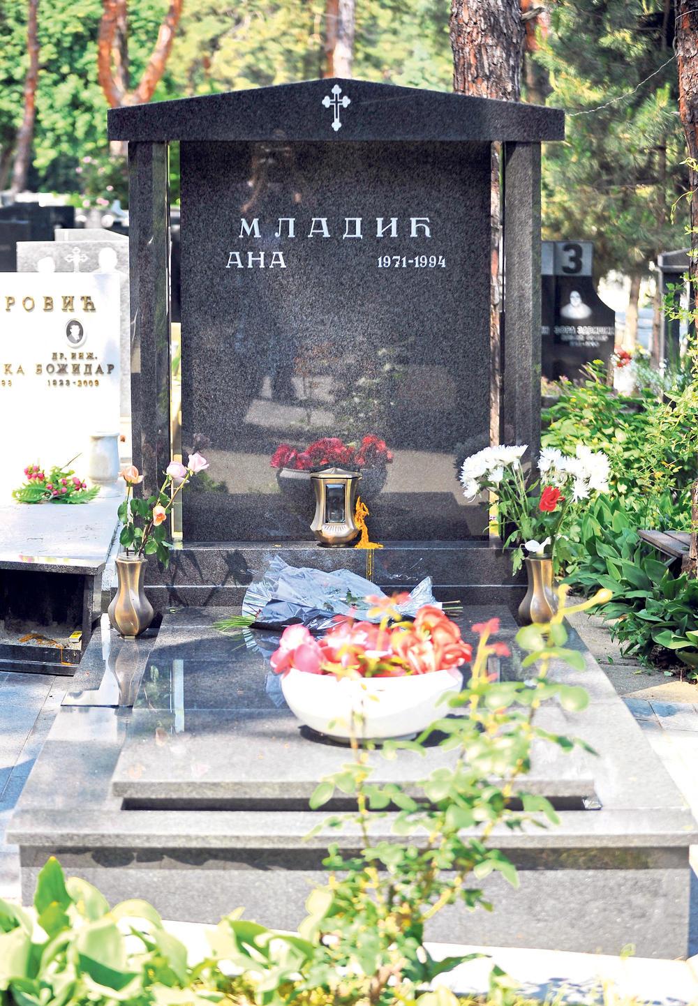 Grob, Ana Mladić, Ratko Mladić, ćerka