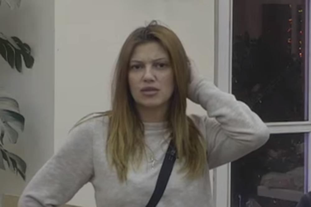 (VIDEO 18+) KIJA SKINULA GAĆICE I ZADIGLA HALJINU: A pravila se da je smerna devojka! Gledaoci u šoku!
