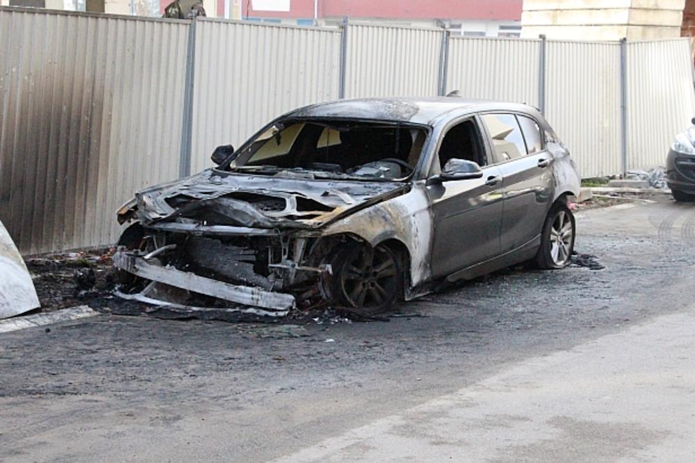 DRAMA U NOVOM SADU: Policajcu zapaljen BMW, potpuno izgoreo!