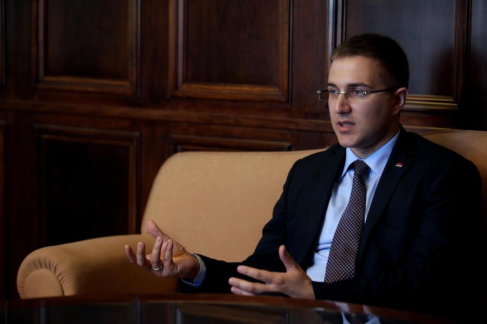 MINISTAR POLICIJE OTKRIO: Evo kako sam postao Nebojša iz Beograda!