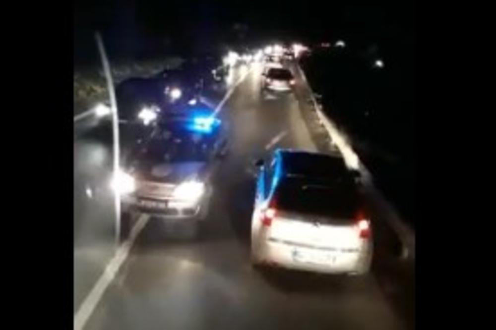 PACIJENT ISPAO IZ HITNE POMOĆI I POGINUO NA LICU MESTA: Teška saobraćajna nesreća kod Vladičinog Hana!