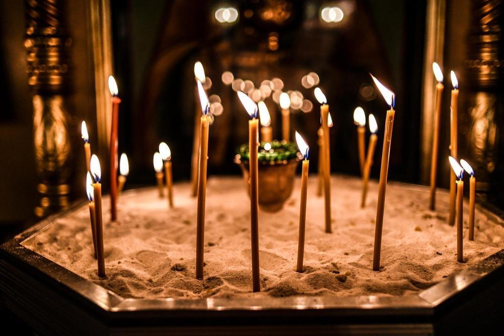 PUNE PRAVOSLAVNE CRKVE: Srbi u Austriji proslavljaju Božić