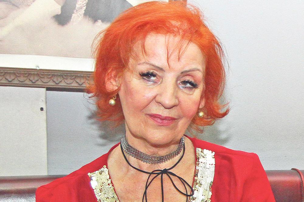 FOTO) LEPA LUKIĆ JE PRVOG MUŽA UHVATILA SA LJUBAVNICOM U KREVETU: Golu je  izbacila na ulicu,
