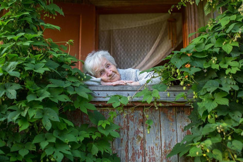 MUDROST PRODAVAČICE CVEĆA (85) KOJA ĆE VAM PROMENITI ŽIVOT: Evo zašto ne treba očajavati posle nesreće već strpljivo sačekati da PROĐU 3 DANA