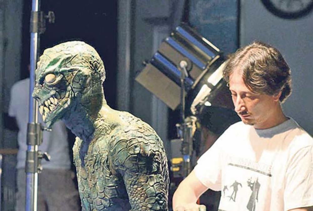 Miroslav Lakobrija i maske