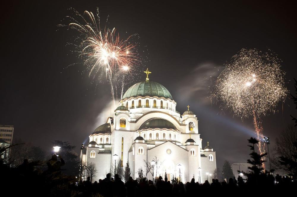 ZAŠTO SE SRPSKA NOVA GODINA SLAVI BAŠ 13. JANUARA? Ludujemo celu noć a teško da znamo da je proslava nastala iz inata!