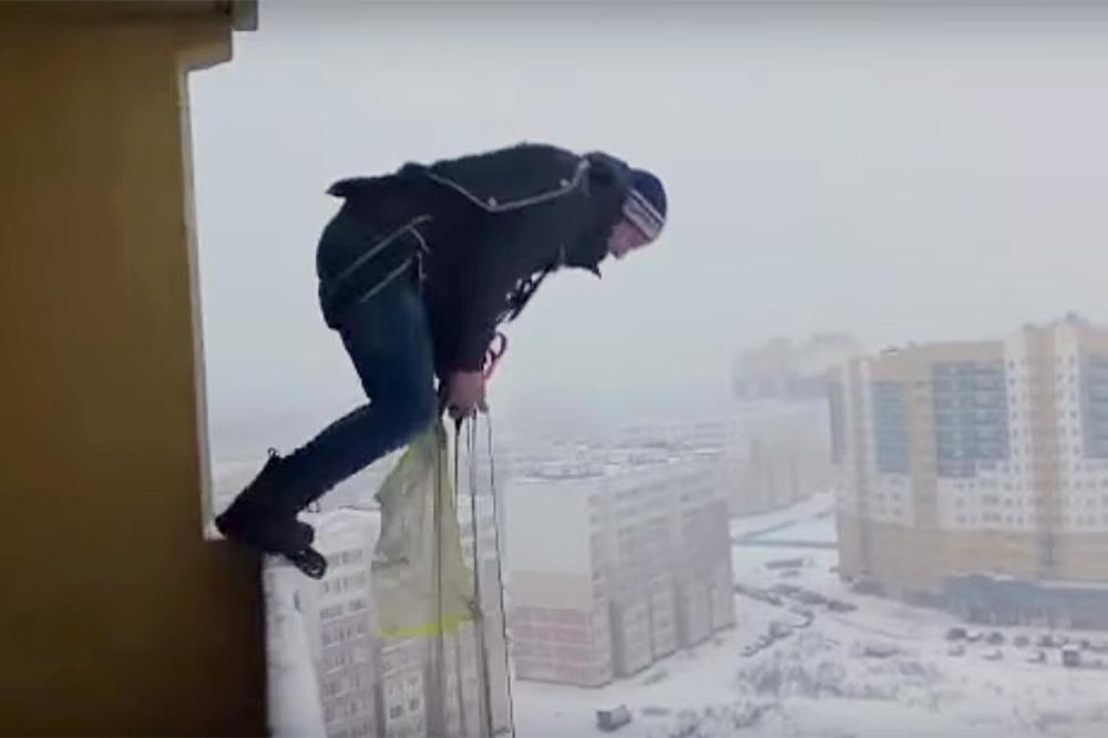 (VIDEO) LUDI SKOK JOŠ LUĐEG RUSA: Ovo što je uradio ni naučnici ne preporučuju