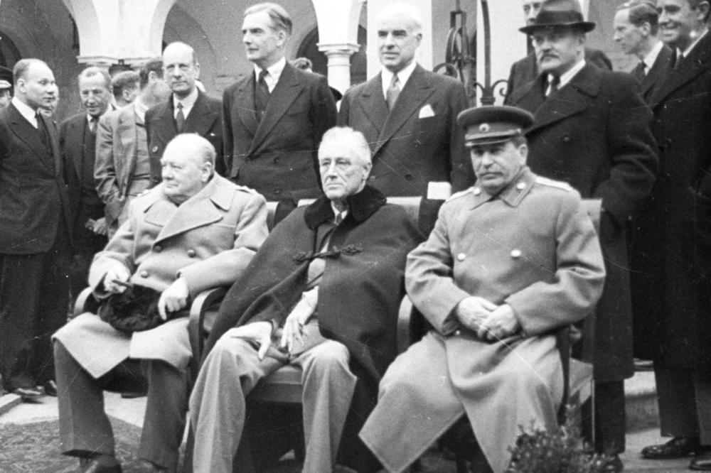 KAKO ZAUSTAVITI ŠIRENJE 'VELIKOG RUSKOG MEDVJEDA'? Čerčil spremao Treći svjetski rat protiv SSSR-a, dokumenti o tome do danas bili 'stroga tajna'
