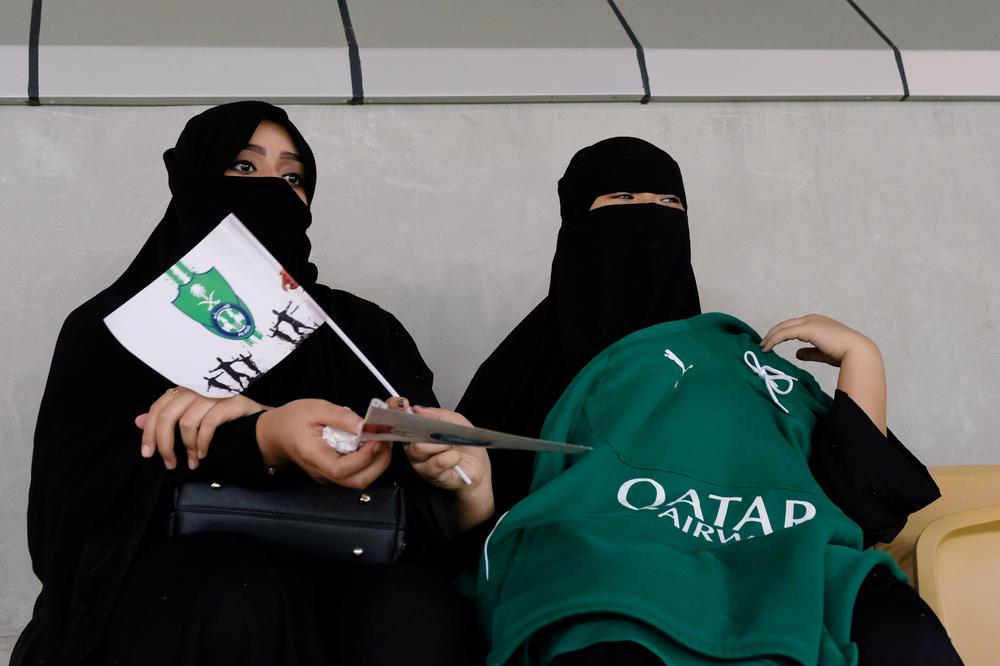 (VIDEO) MAŽIĆ SVEDOČIO ISTORIJI: Žene prvi put u istoriji prisustvovale fudbalskoj utakmici u Saudijskoj Arabiji