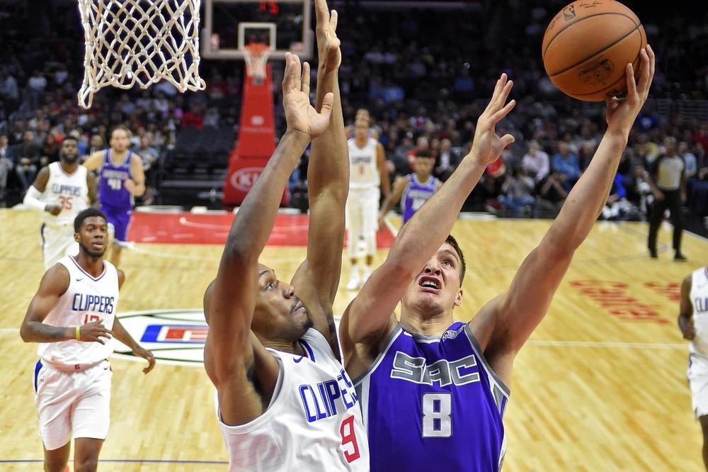 (VIDEO) ODLIČNE ROLE NAŠIH KOŠARKAŠA U NBA: Teodosić opet slavio protiv Bogdanovića u srpskom derbiju