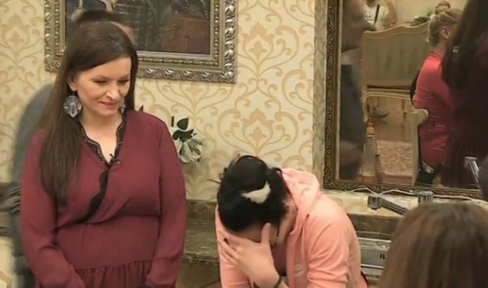 TEODORA SE GUŠILA U SUZAMA: Posle uključenja ove žene i njene poruke nije mogla da dođe sebi!