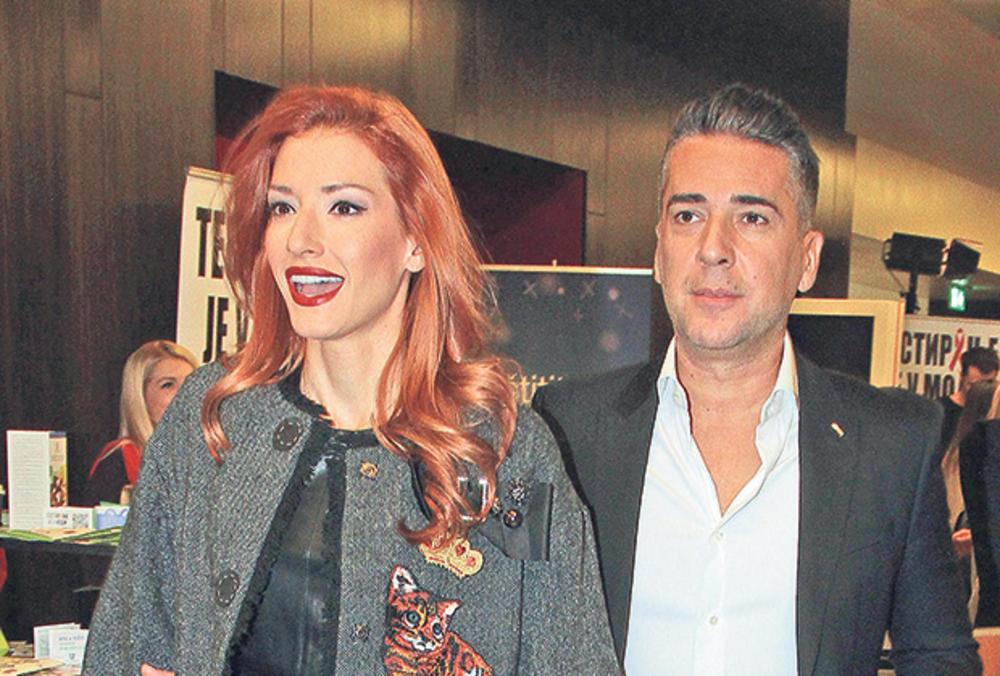 KAD SE SVETLA UGASE: Jovana i Željko Joksimović su blistali na svadbi Prije i Filipa, a onda su uhvaćeni na delu! ROMANTIČNO (FOTO)