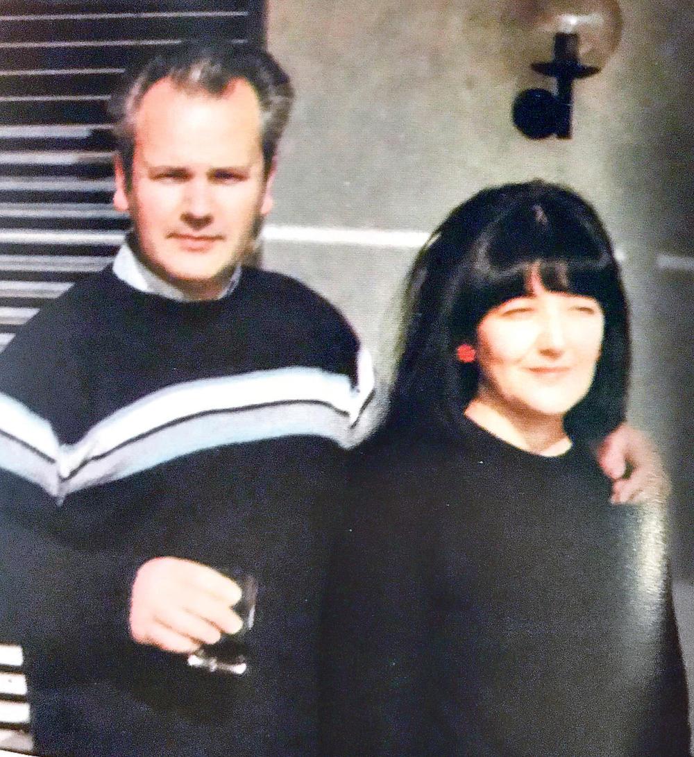 Neobjavljivana fotografija iz porodičnog albuma... Mira Marković i Slobodan Milošević