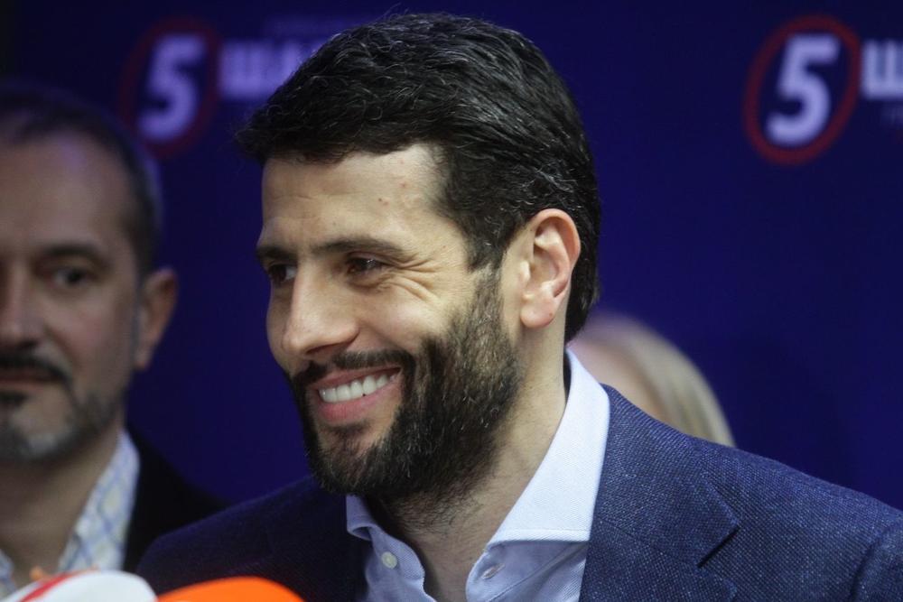 Šapić nasmejan posle rezultata