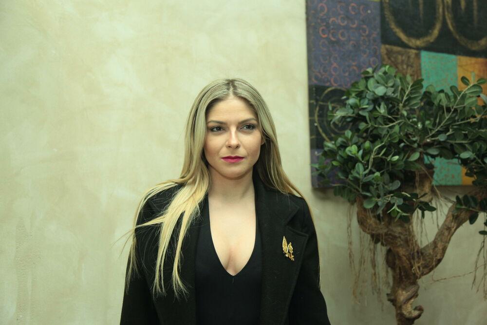 (FOTO) ZAPALILA IZ SRBIJE: Vanja Mijatović pobegla od svega i priznala da ne može bez Grčke!