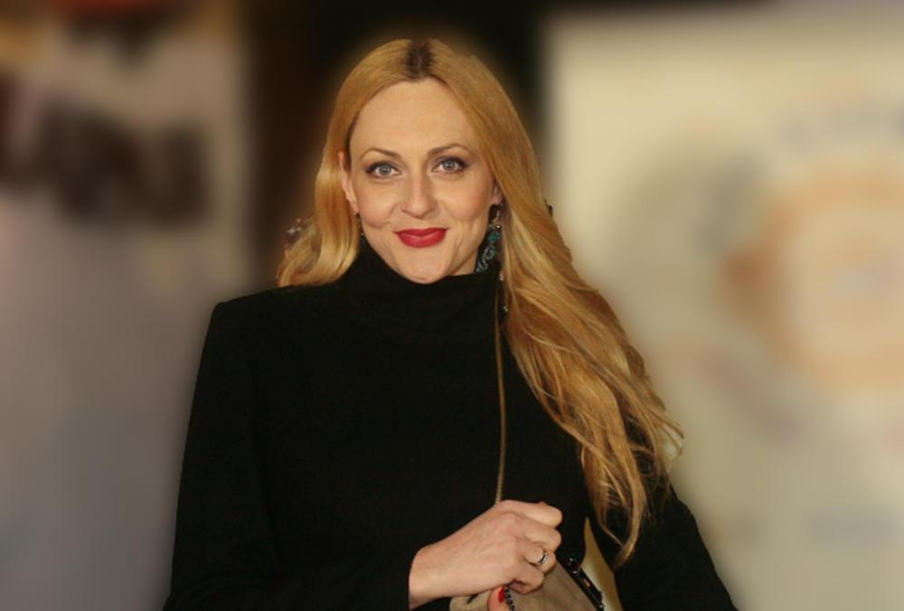 BILA JE LOTO DEVOJKA, GLUMILA U DŽINGLOVIMA, A KASNIJE OPERISALA KIČMU: Nećete verovati kako je Ana Pendić izgledala pre 22 godine! (FOTO)
