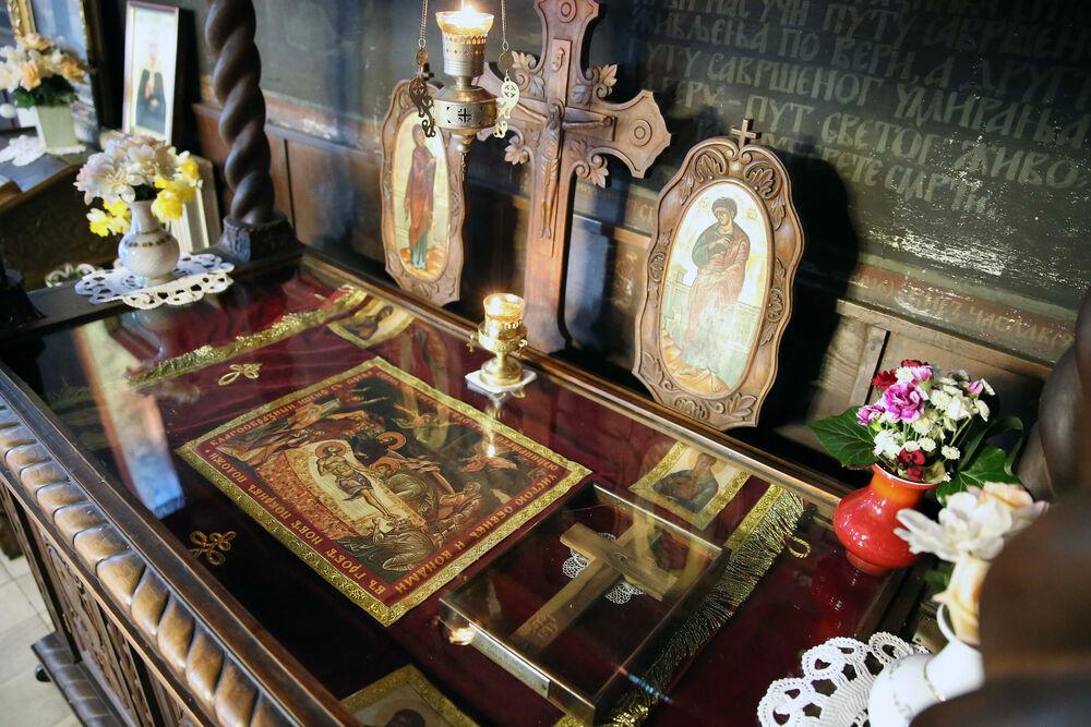 crkva, ikona, praznik, crveno slovo, molitva, Voždovačka crkva