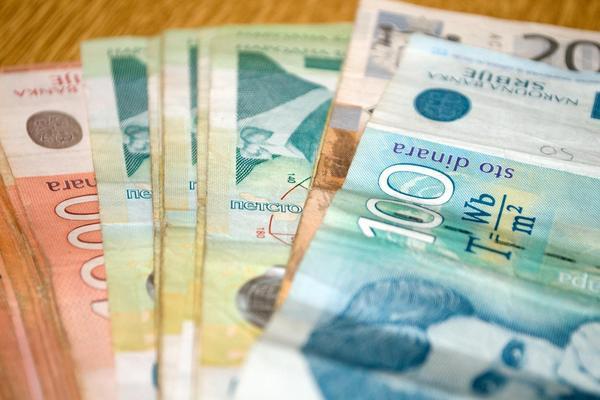 PORAST: Prosecna plata u julu 49.202 dinara