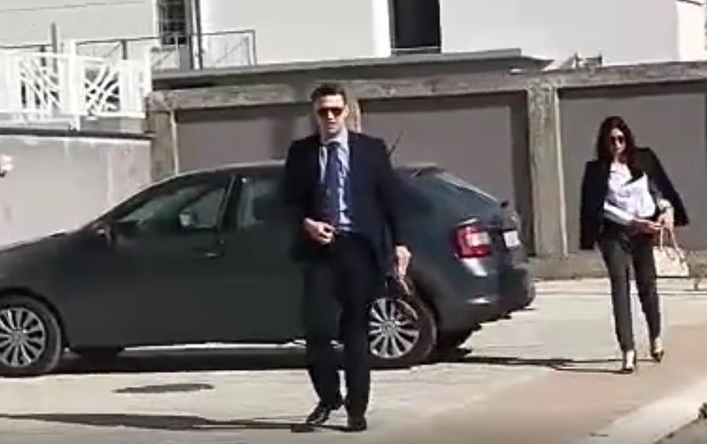 (KURIR TV) DRAMA ISPRED NATAŠINOG STANA: Luka šalje advokata po stvari!