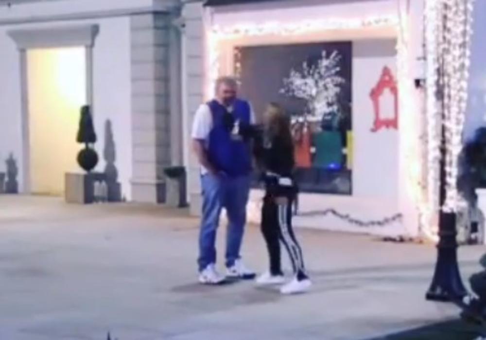 (VIDEO) KIJA OPALILA MIKIJU ŠAMAR DVA PUTA, KAMERE SVE SNIMILE: Neće vam biti jasno kada vidite zbog čega je to uradila!