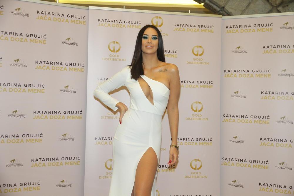 IMAM 26 GODINA, NORMALNO JE DA SAM TOLIKO MOMAKA PROMENILA: Katarina Grujić u iskrenom intervjuu! OVAJ odgovor je sve IZNENADIO! (FOTO)