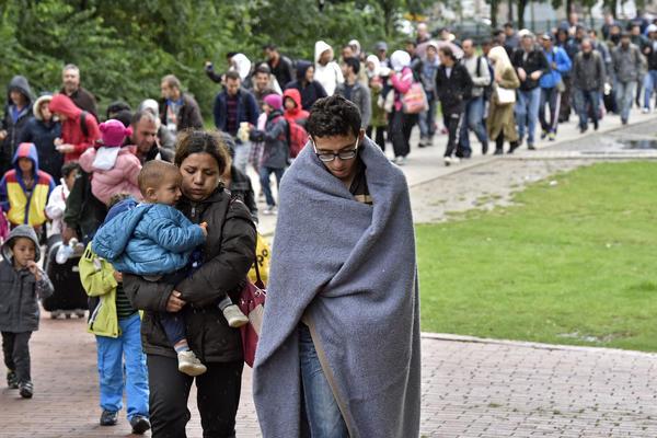LIDERI EU: Migrante u Afriku i na Balkan! CIPRAS PROTIV!