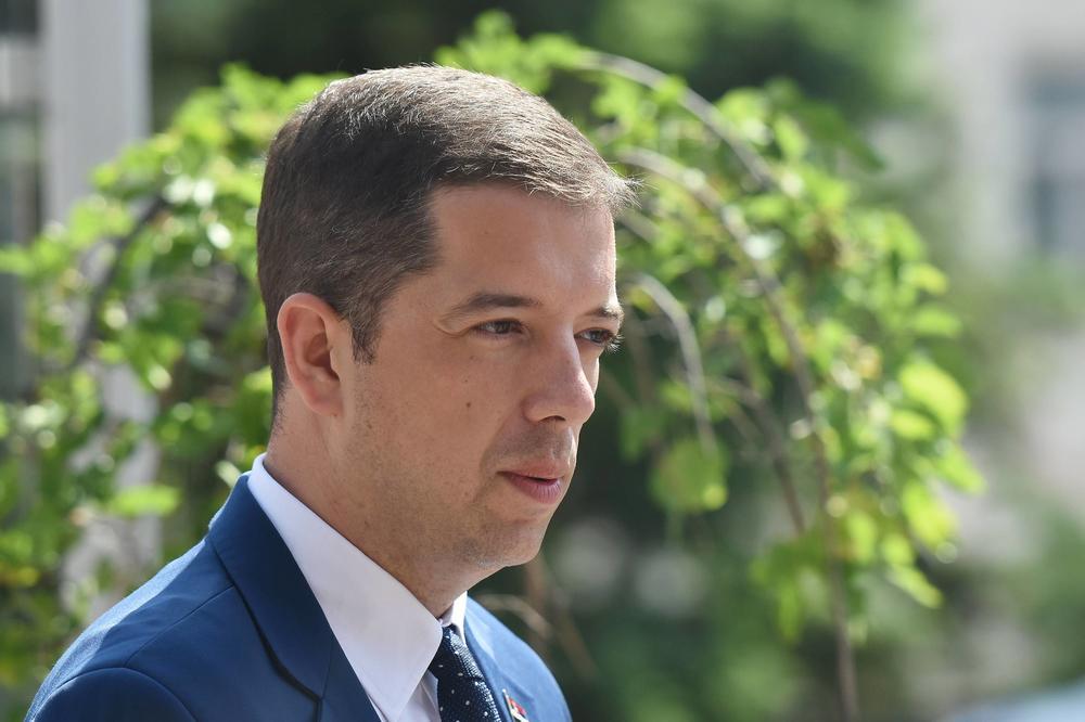 ALBANCI USVOJILI REZOLUCIJU O NAVODNOM GENOCIDU SRBIJE NA KOSOVU, MARKO ĐURIĆ REAGOVAO: Plod panike ratnih zločinaca