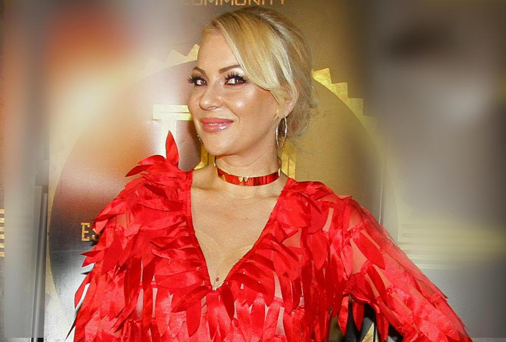 IVANA SELAKOV SLIKALA SVOJE NAJVEĆE BLAGO: Pevačica uživa u čistom luksuzu na dalekoj destinaciji! Komentari PLJUŠTE kao KIŠA! (FOTO)