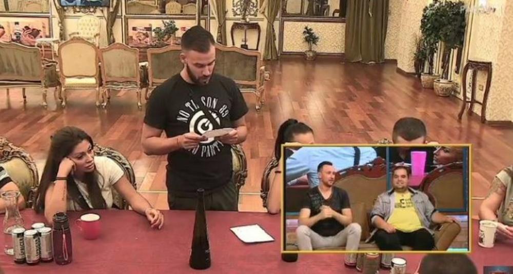 GAĐA PRAVO U SRCE: Tihomir pročitao EMOTIVNU pesmu koju je napisao majci, svi se RASPLAKALI!