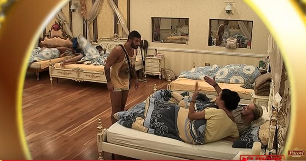 NIKOLA LAKIĆ POLUDEO: Čuo Gastoza i Teodoru da kuju plan, a onda ih NAPAO! (VIDEO)