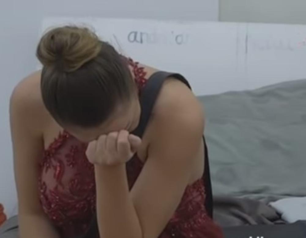 MACA SE GUŠILA U SUZAMA ZBOG NJEGA: Znam da me je izdao ali mi je teško kad ga nema! (VIDEO)