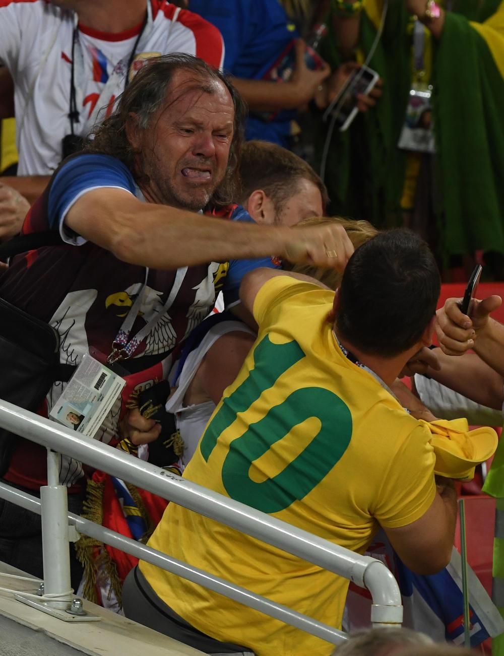 <p>Fudbaleri Brazila savladali su Srbiju u poslednjoj utakmici grupe E na Mundijalu u Rusiji.</p>