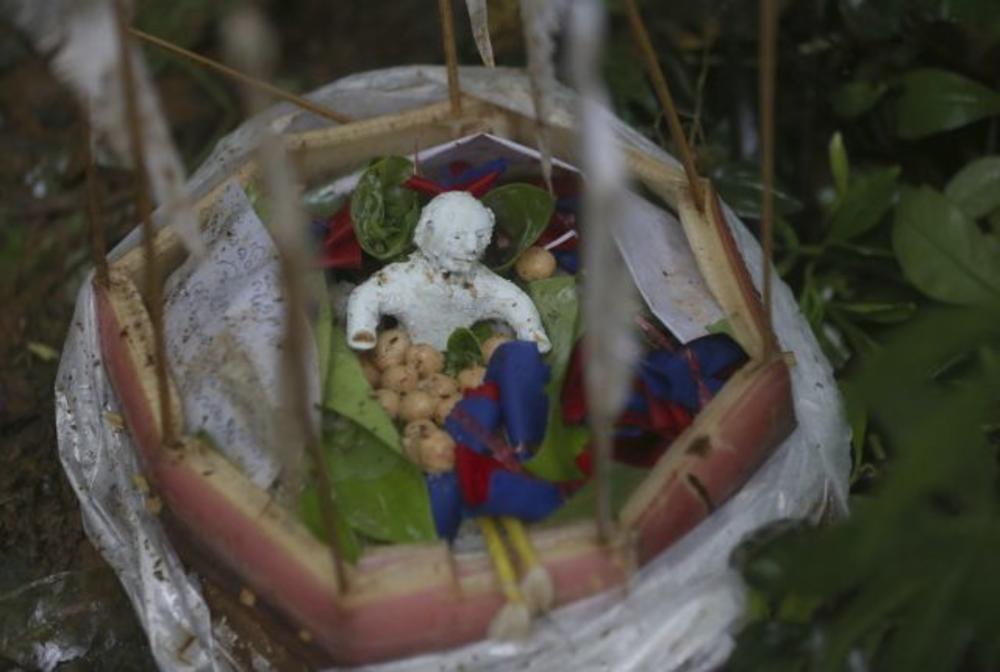Prilozi koje je rodbina zarobljenih dečaka ostavljala boginji