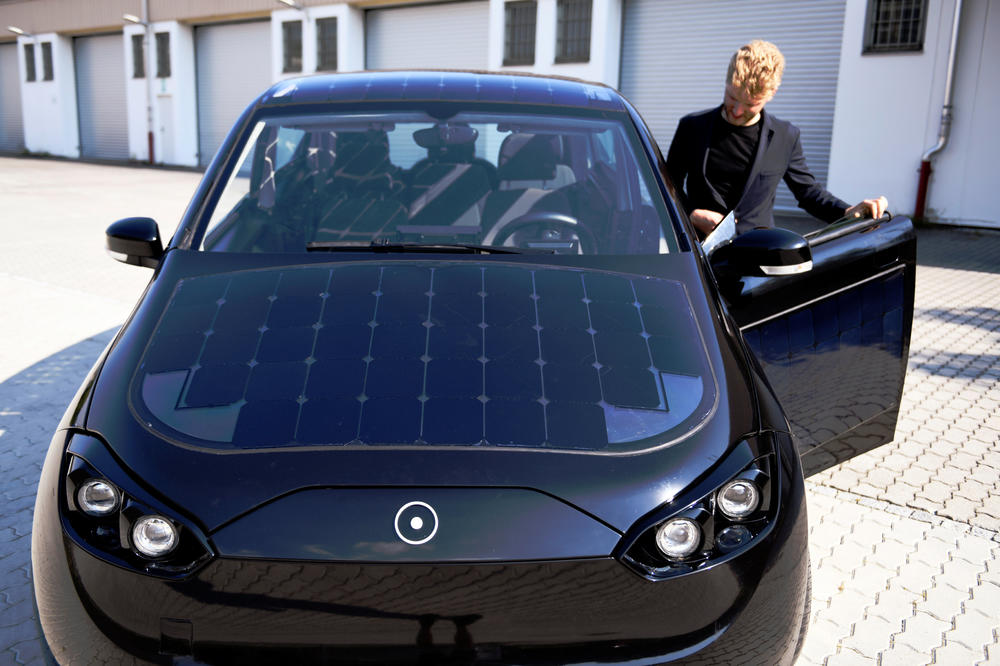 REVOLUCIJA! U nemačkoj se pojavio AUTOMOBIL NA SUNCE! (FOTO)