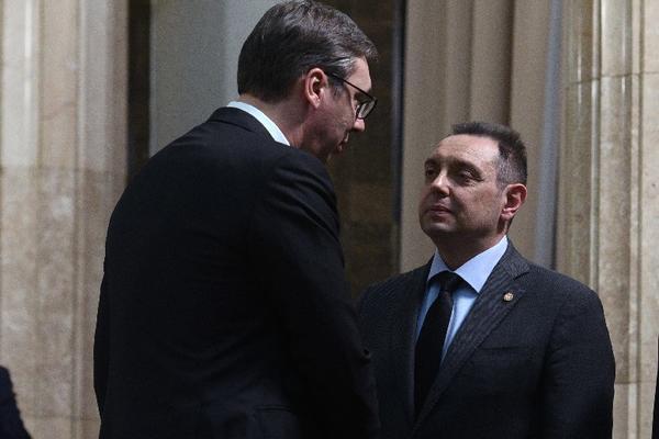 VULIN: Vucic preuzeo veliku odgovornost, treba da podeli teret