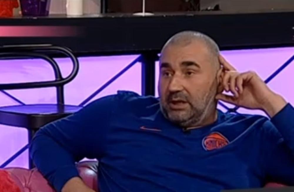 NE VOLIM LJUDE KOJI SE LAŽNO PREDSTAVLJAJU: Miki Đuričić otkrio da mu OVAJ zadrugar stalno šalje poruke i dosađuje! (VIDEO)