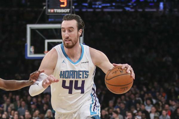 AMERIKANAC U BEOGRADU NBA zvezda otkrila: Po ocu sam Srbin! Poceo sam da igram u srpskoj ligi u Cikagu!