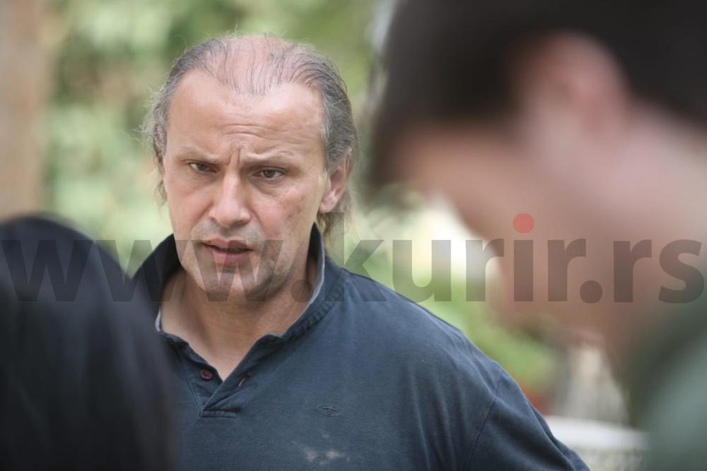 KARAĐORĐE SE POKAJAO, MOLI I KUMI DA GA VRATE U RIJALITI: Otac Aleksandre Subotić ide iz greške u grešku, čak je i ZAPRETIO radnici produkcije! STRAŠNO!