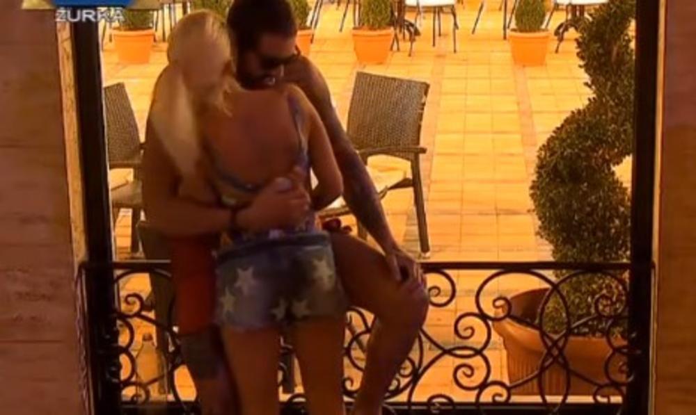 ILIJANA SE POKAJALA POSLE SEKSA SA BOŽOM U TUŠ KABINI: Samo me pusti, pravi se da ništa nisi video! (VIDEO)