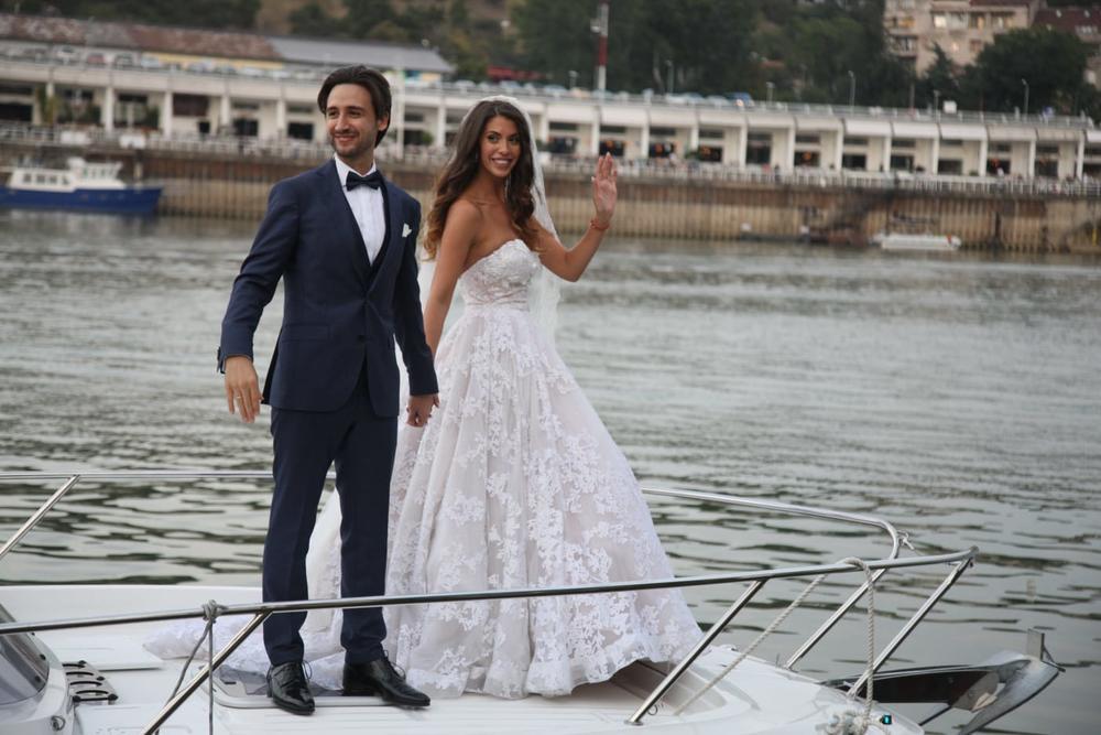 ODE SVE U PARAMPARČAD: Stevan Anđelković na ovo nije računao! ZANEMEO OD ŠOKA usred sopstvenog venčanja!  (FOTO)