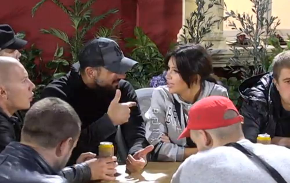 POLJUBAC STANIJE I VLADIMIRA: Trenutak nepažnje ostalih ukućana Crnogorac i starleta ISKORISTILI su na najbolji način! (VIDEO)