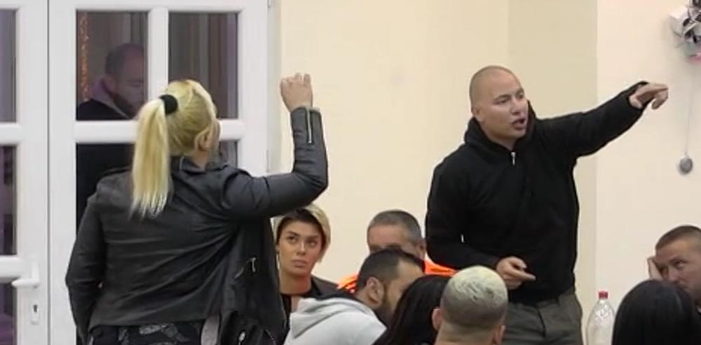 ŽIVELE STE U STRAĆARI, PA SAM VAS PRIMIO U STAN! KRALE STE OD MENE: Brendon i Marija u žestokom okršaju! Kulićeve nema sa kim se ne SVAĐAJU! (VIDEO)