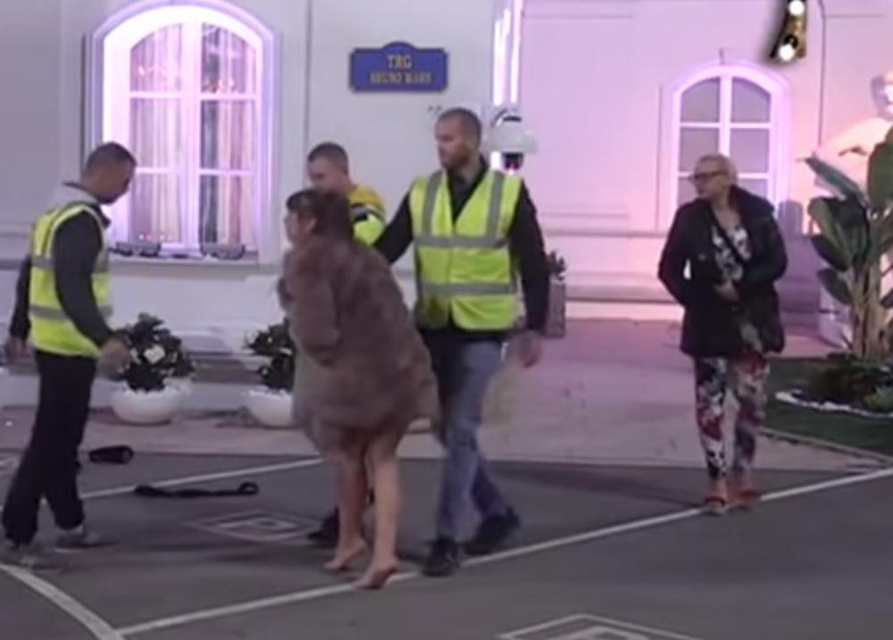 ĐUBRE JEDNO! ZATO SI DOŠLA OVDE?! IDI GLEDAJ DETE, STOKO! Marija Kulić napala ćerku zbog Gavrića, a onda ju je Miljana sramno UVREDILA (VIDEO)